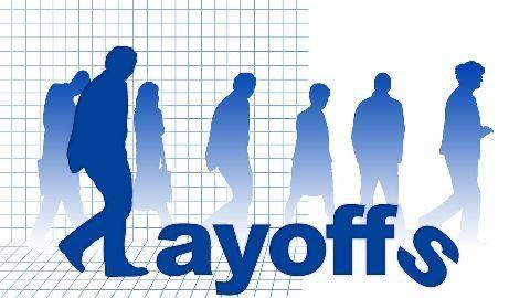 Minimizing staff to combat losses