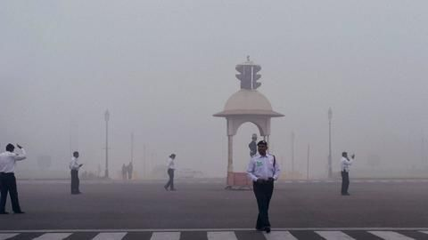 No respite from fog for Delhi, normal life disrupted