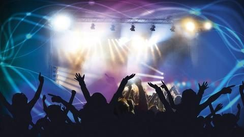 Mumbais partying till 5am this New Year. Is Delhi listening?