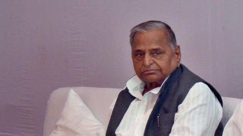 Mulayam Yadav advocates for discussion to end logjam