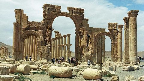 IS strikes again: Palmyra Arch destroyed