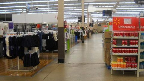 Walmart introduces private labels to increase revenues