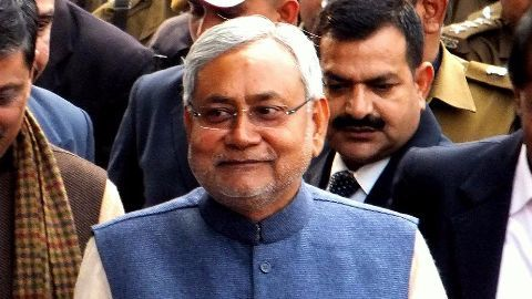 Nitish mocks Modi by spoofing 3 Idiots song