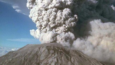 Hundreds of flights cancelled over volcano eruption