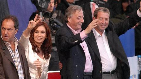 Kirchner names Scioli as her successor