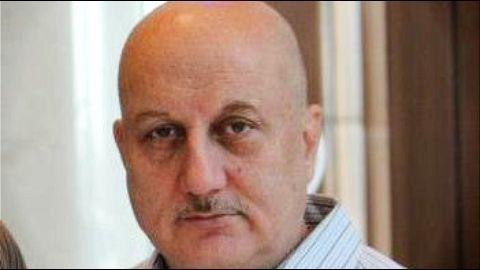 Film fraternity rebukes Khan's comments