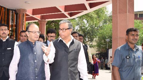 DDCA: Delhi govt initiates inquiry, Jaitley to sue