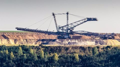 Commercial coal mining to re-open to private firms