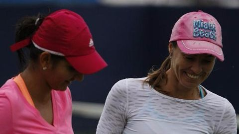 'Santina' clinch a Grand Slam hat-trick