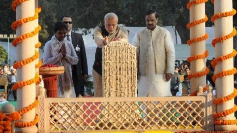 India pays homage to Gandhi on Martyrs' Day