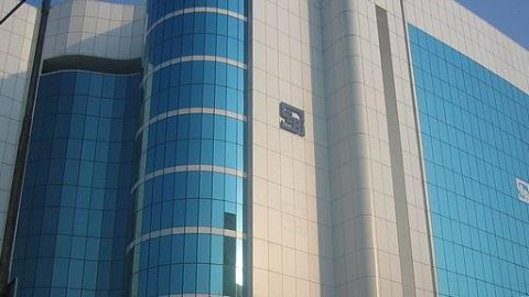 Sebi lets off RPIL in the IPCL case