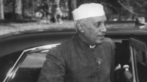Nehru supports Israel's formation