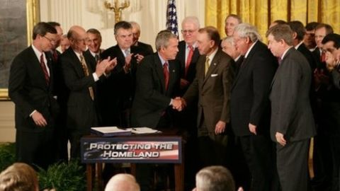 Bush for the re-authorisation of Patriot Act
