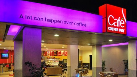 Enjoy coffee in CCD's family and high-end lounges