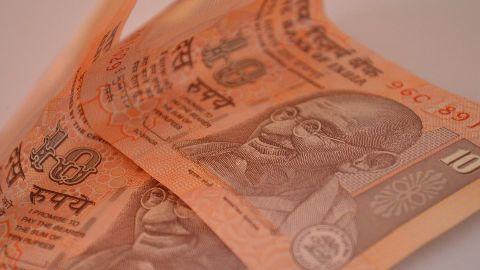 AAP seeking Rs 10 from the 'aam aadmi'