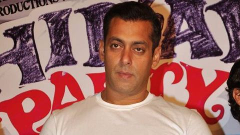Salman says Bollywood should make movies like Bahubali