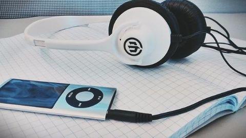Apple jumps onto the music bandwagon
