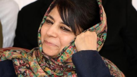 J&K CM for maintaining special status in state